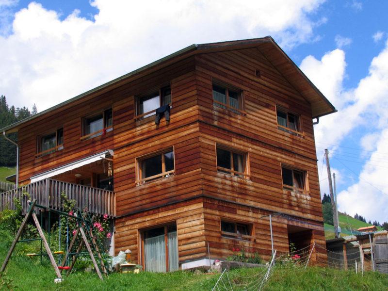 Einfamilienhaus in Safien Platz